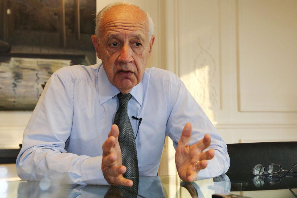 Macri es un extremo muy marketinero — Roberto Lavagna
