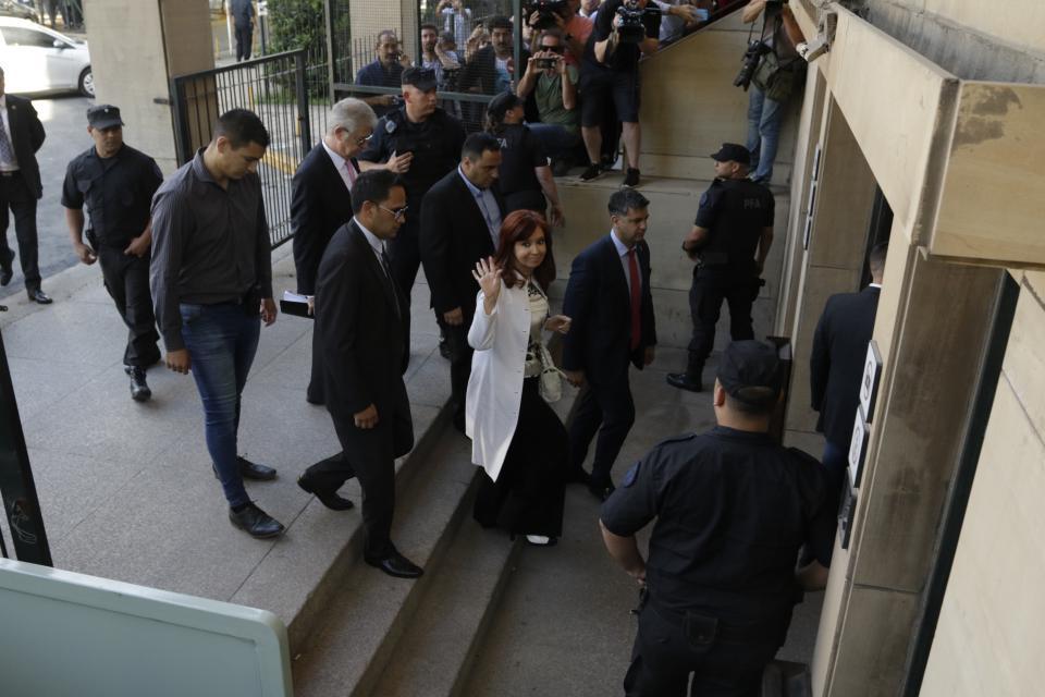 Soy víctima de un plan de persecución, dice Cristina Fernández