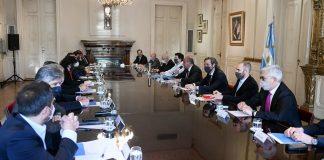 Manzur, tras los cambios en el Gobierno, encabezó su primera reunión de Gabinete